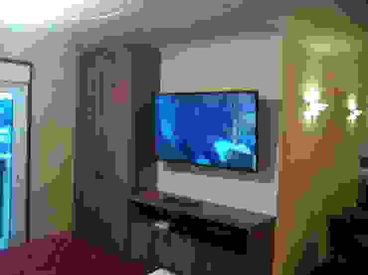 Apartamento Morumbi - SP - Suite Quartos modernos por Audiohome Moderno Madeira Efeito de madeira