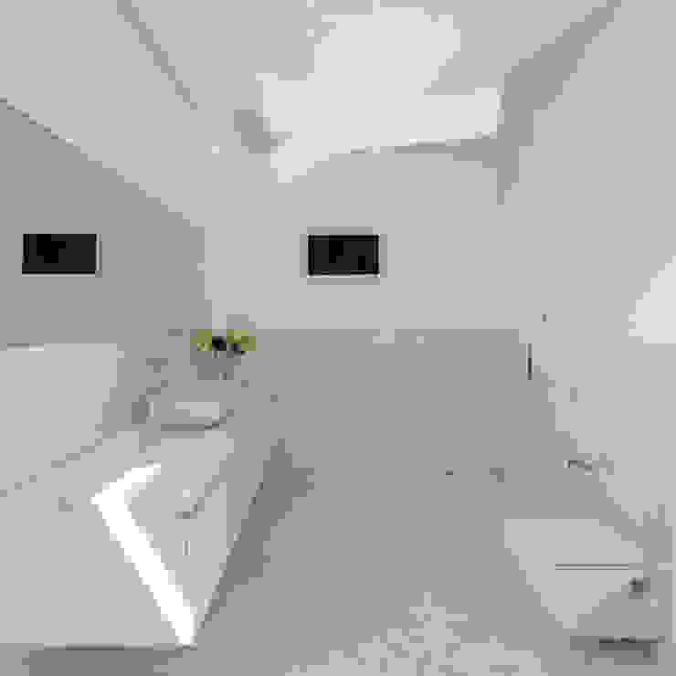 Minimalist style bathrooms by Raulino Silva Arquitecto Unip. Lda Minimalist