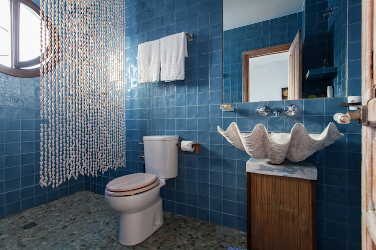Eclectic style bathroom by Pablo Cousinou Eclectic
