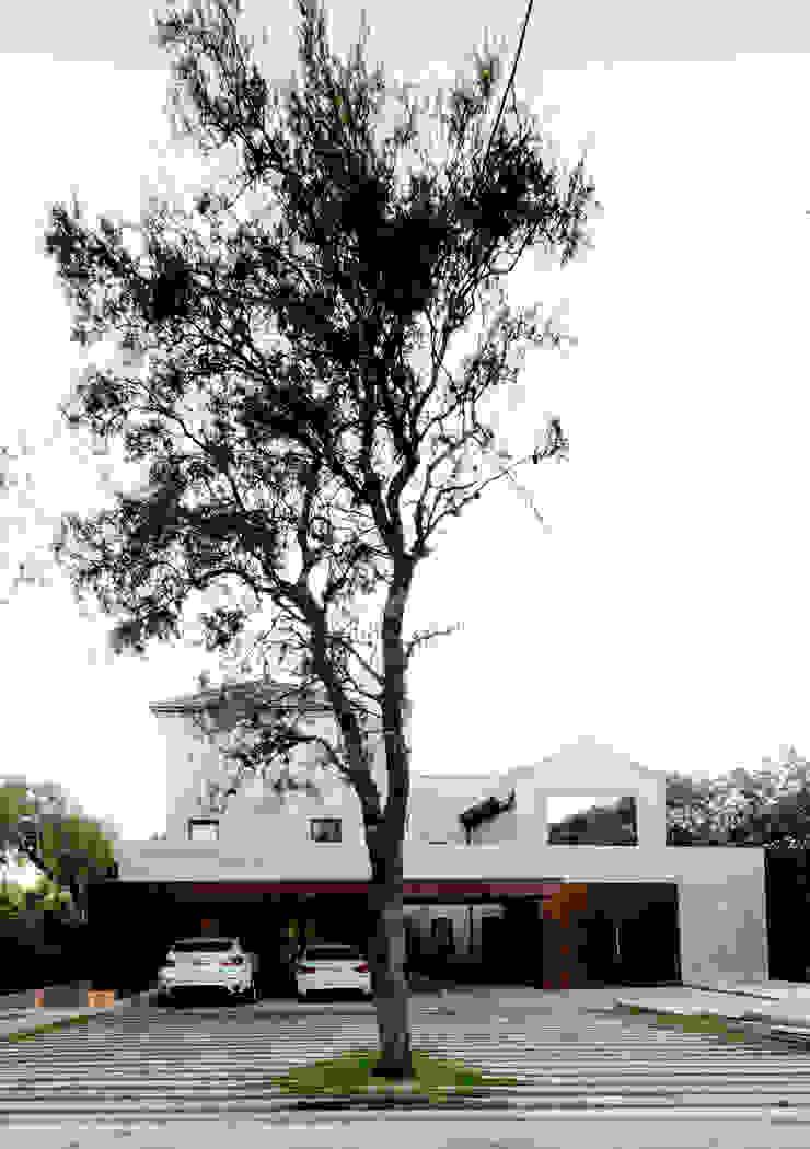 Casas modernas por BLOS Arquitectos Moderno Betão
