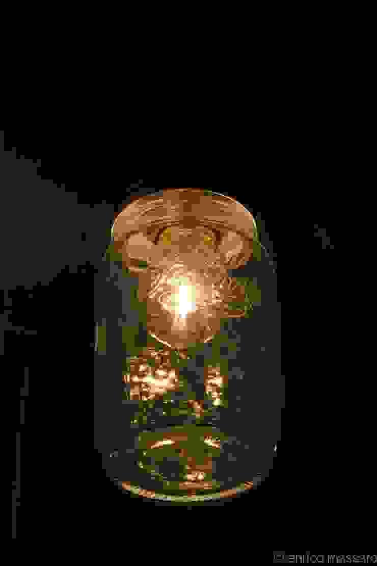 enrico massaro architetto Flur, Diele & Treppenhaus im Landhausstil Glas Bernstein/Gold