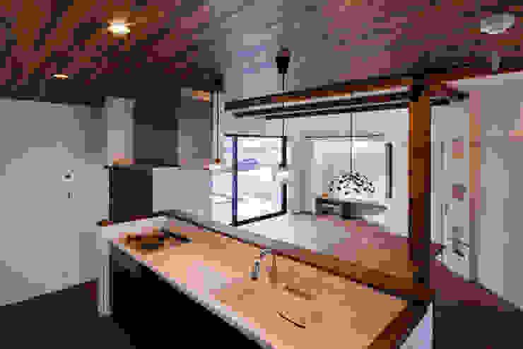 Oyako House オリジナルデザインの キッチン の Studio REI 一級建築士事務所 オリジナル