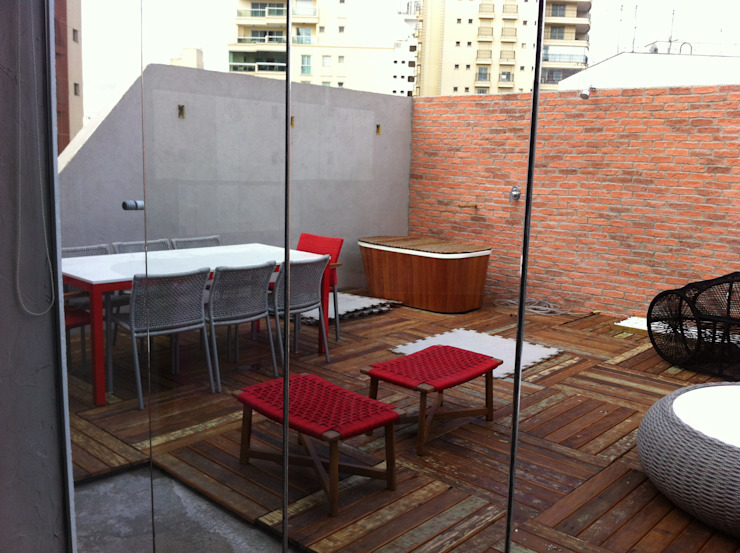 Cobertura Duplex Santana 290m² Varandas, alpendres e terraços minimalistas por Fabiana Rosello Arquitetura e Interiores Minimalista