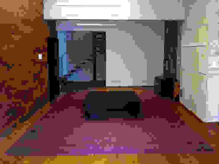 Cobertura Duplex Santana 290m² Corredores, halls e escadas minimalistas por Fabiana Rosello Arquitetura e Interiores Minimalista