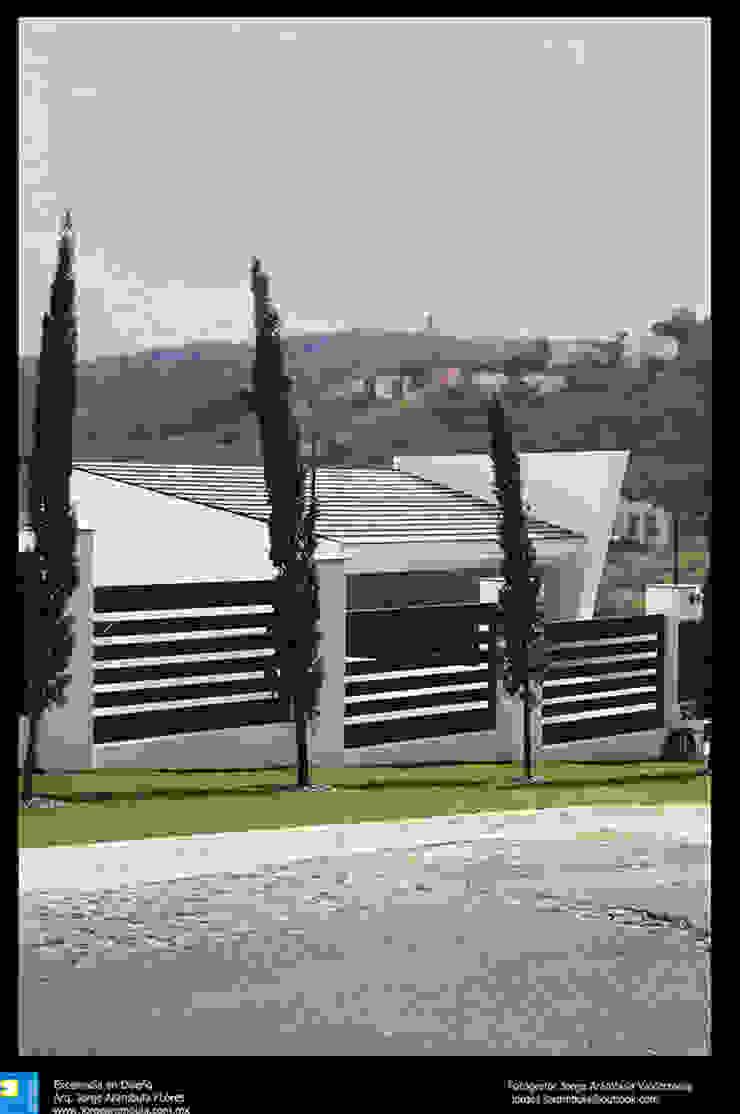 fachada Casas modernas de Excelencia en Diseño Moderno Hierro/Acero