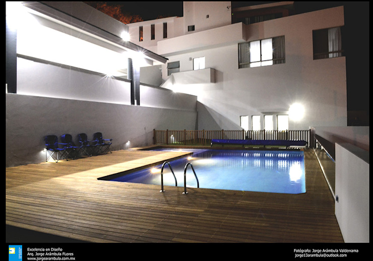 la alberca Albercas modernas de Excelencia en Diseño Moderno Concreto reforzado