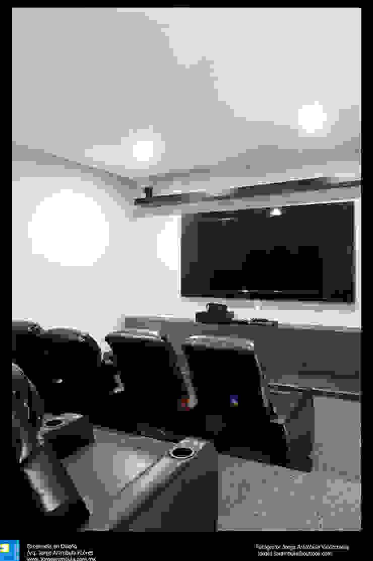 sala de cine Salas multimedia modernas de Excelencia en Diseño Moderno Derivados de madera Transparente