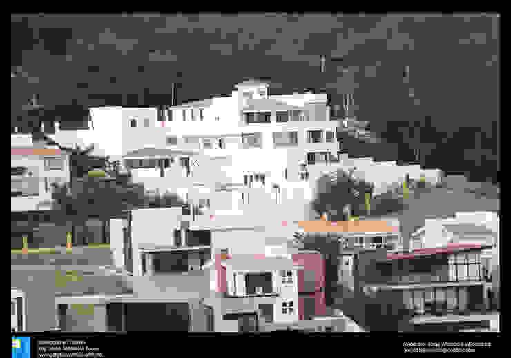 fachada trasera desde el exterior lejano Casas modernas de Excelencia en Diseño Moderno Concreto reforzado