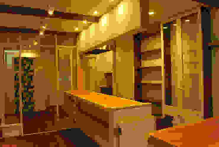COCO*M モダンデザインの 多目的室 の 西川真悟建築設計 モダン