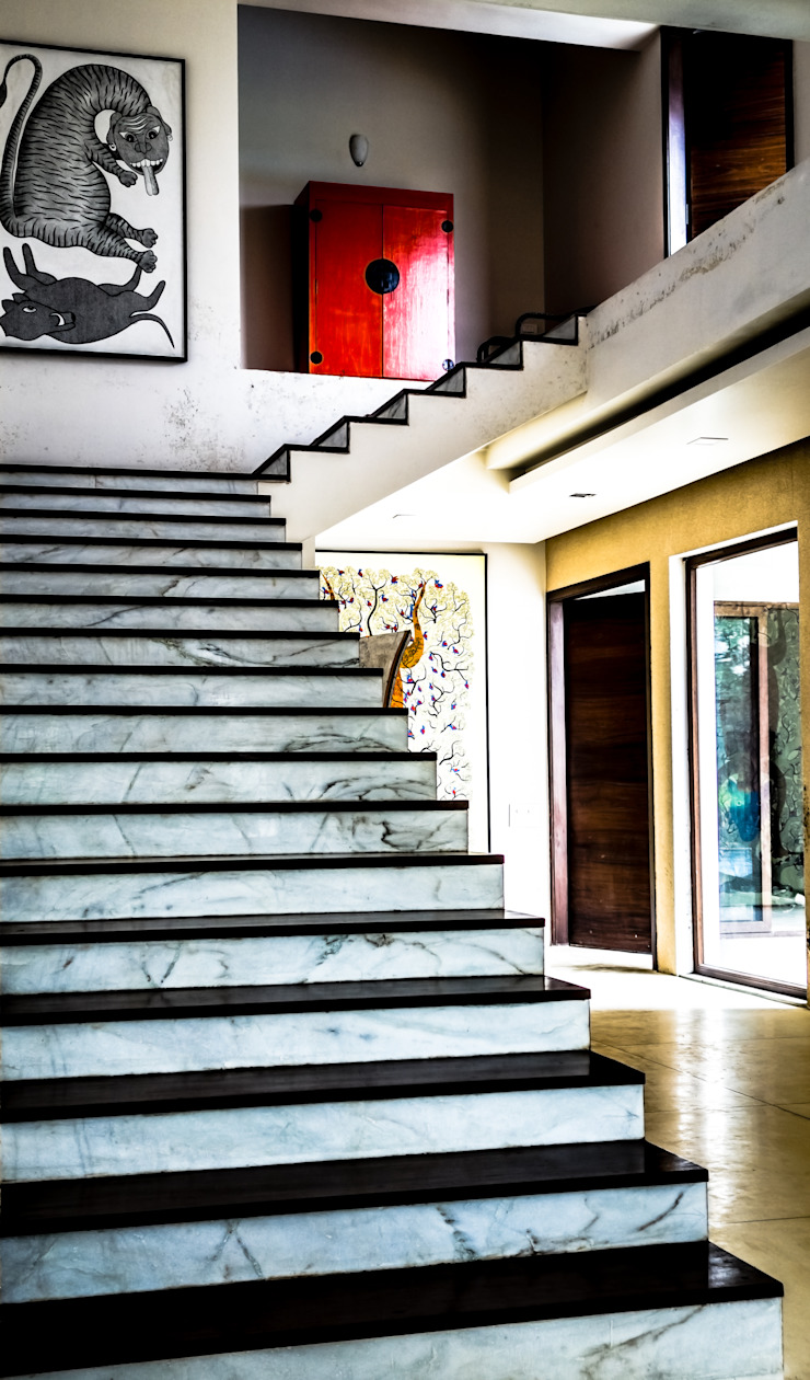 P House Tropical style corridor, hallway & stairs by Studio A Tropical