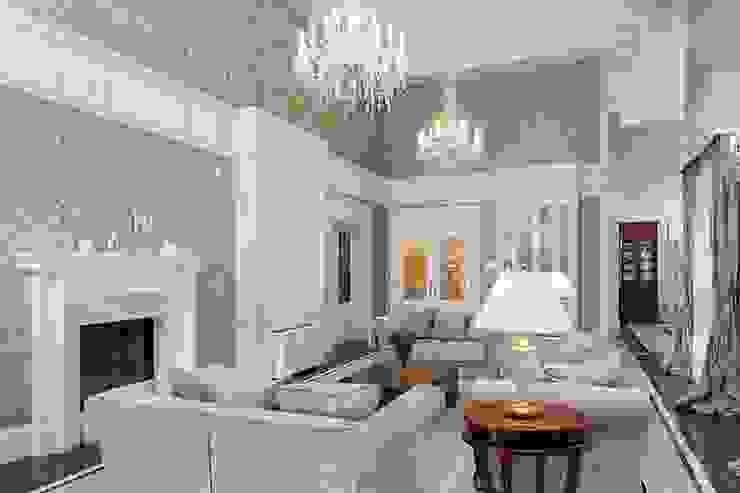 Salas de estar clássicas por Intelidom Group Sp. z o.o. Clássico
