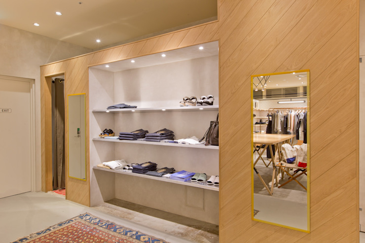 Sheta ルクア1100店 インダストリアルデザインの 多目的室 の TOOP design works インダストリアル 木 木目調