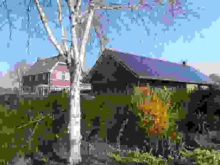 Tuinzijde energieplus huis met Jugenstil kenmerken Klassieke huizen van Villa Delphia Klassiek