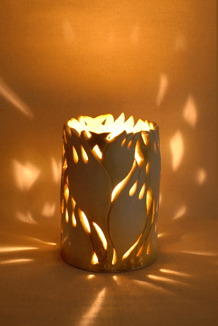 チューリップ: 広谷 幸が手掛けた折衷的なです。,オリジナル 陶器