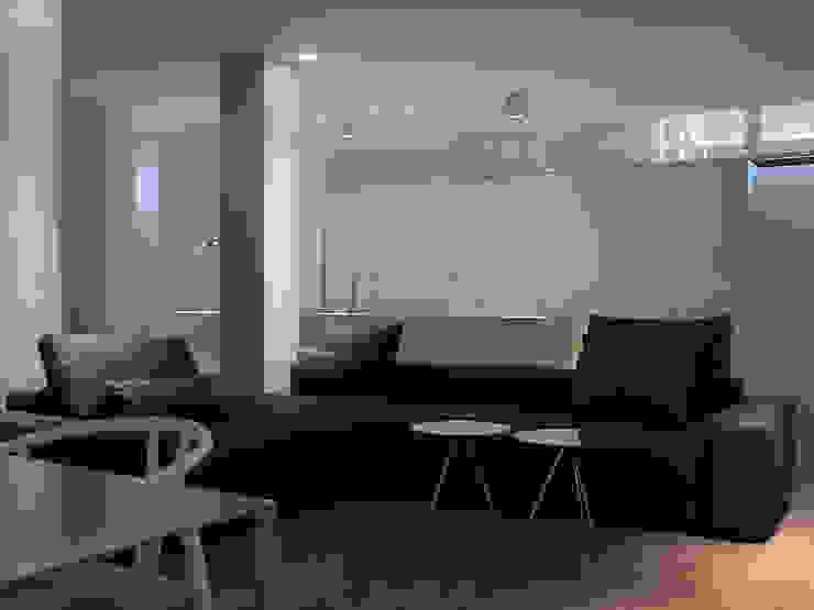 Vida bajo tierra Salones de estilo moderno de Sanchez y Delgado Moderno