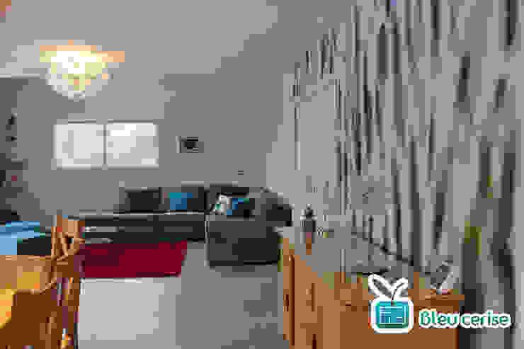 Pièce à vivre d'une maison neuve - Aix les Bains par Bleu Cerise