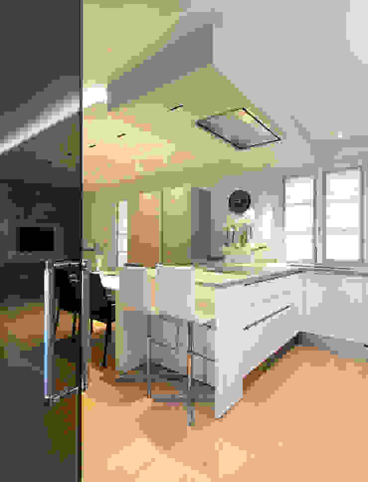 Cocinas modernas de architetto roberta castelli Moderno