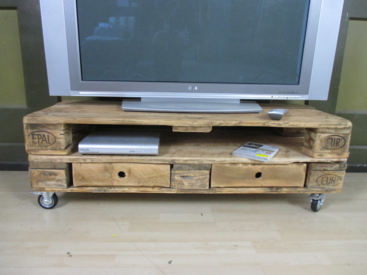 Sideboard - Lowboard aus gebrauchten Europaletten Woodupcycling WohnzimmerSchränke und Sideboards Braun