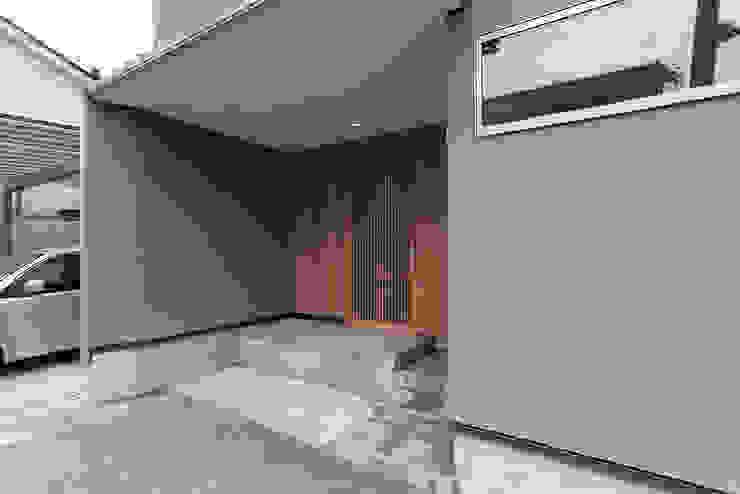 玄関ポーチ ミニマルスタイルの 玄関&廊下&階段 の 家山真建築研究室 Makoto Ieyama Architect Office ミニマル