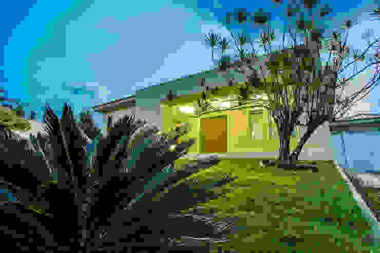 Casas de estilo ecléctico de A3 Arquitetura e Interiores Ecléctico