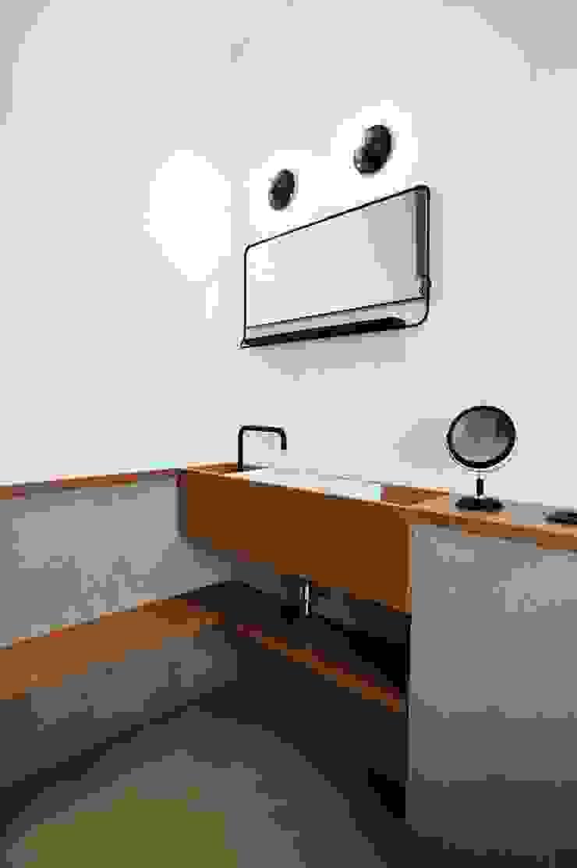 Proyecto de Interiorismo. Barcelona BONBA studio Cuartos de estilo clásico