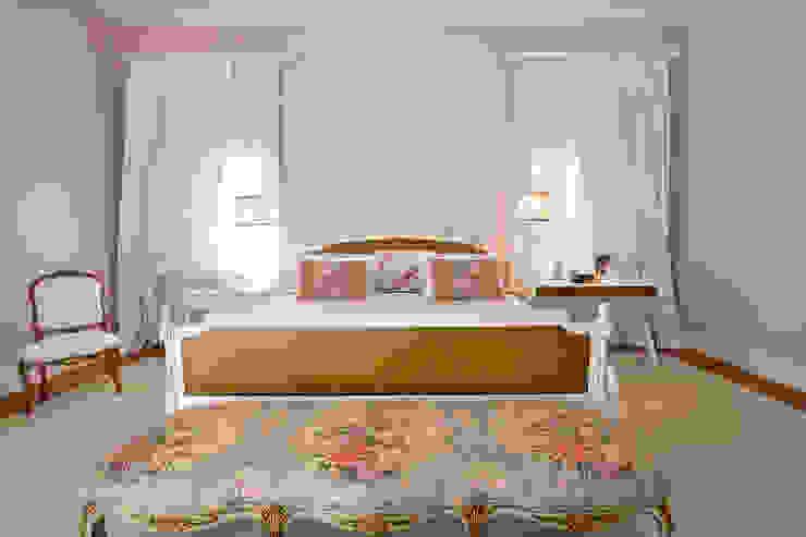 Camera da letto in stile classico di Two Design Classico