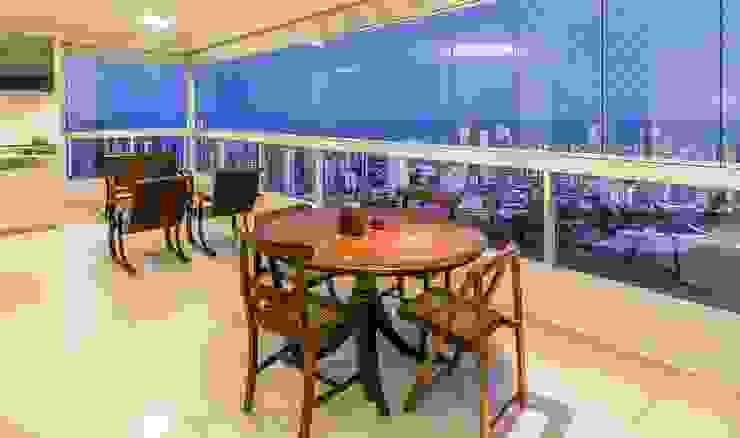Moderne woonkamers van VZ Arquitetas Modern