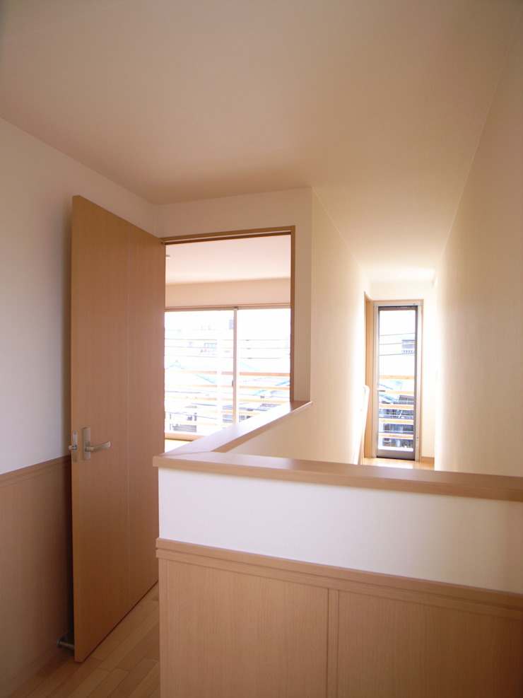 桜町の家 モダンデザインの 多目的室 の 株式会社 atelier waon モダン