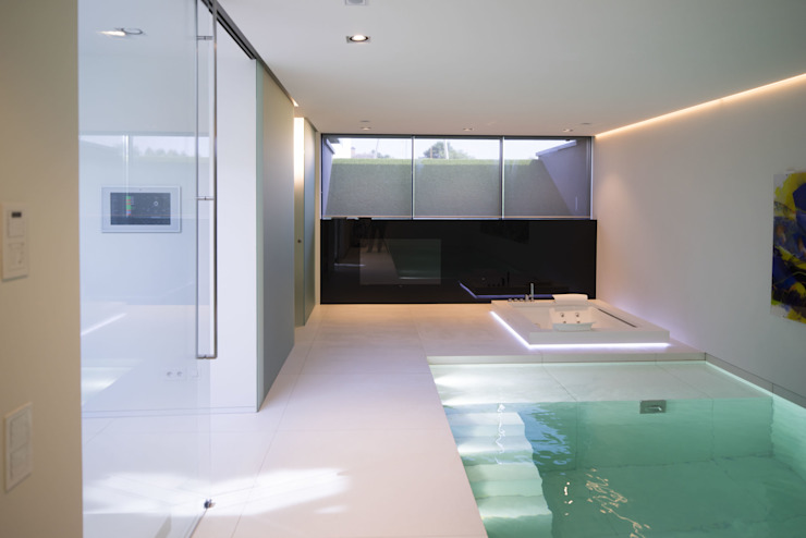 Pool by Lab32 architecten, Modern