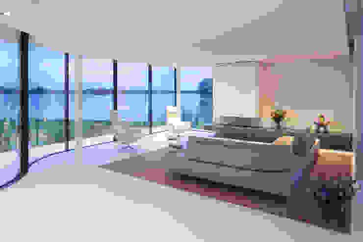 Woonkamer Moderne woonkamers van Lab32 architecten Modern