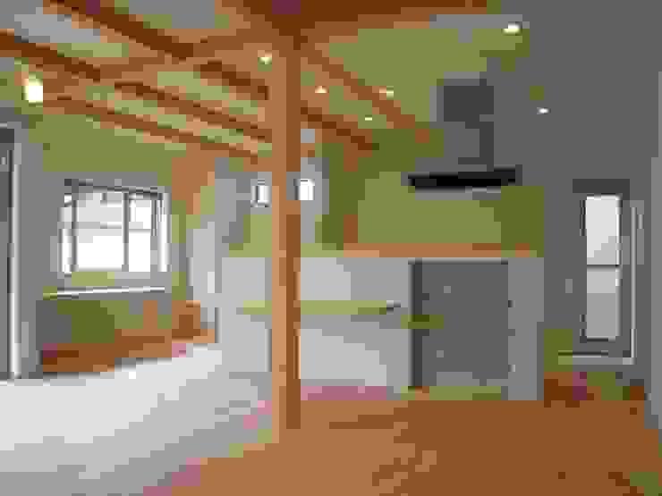 豊能町の家Ⅱ モダンデザインの ダイニング の 株式会社 atelier waon モダン