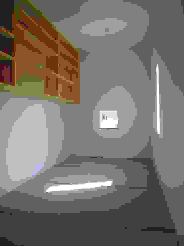 豊能町の家Ⅱ モダンデザインの 書斎 の 株式会社 atelier waon モダン