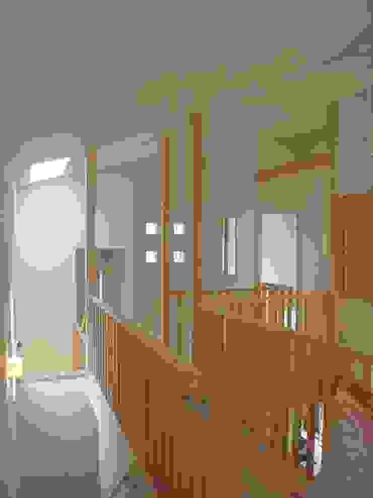 豊能町の家Ⅱ モダンデザインの 多目的室 の 株式会社 atelier waon モダン