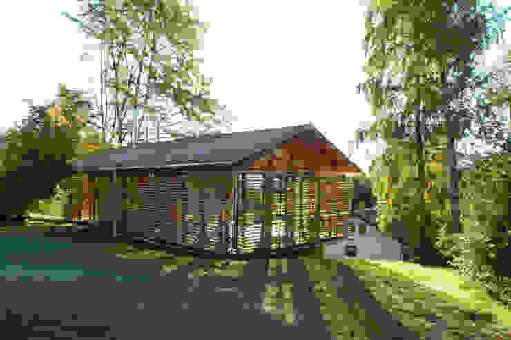 Landelijke huizen van em Architekten GmbH Landelijk