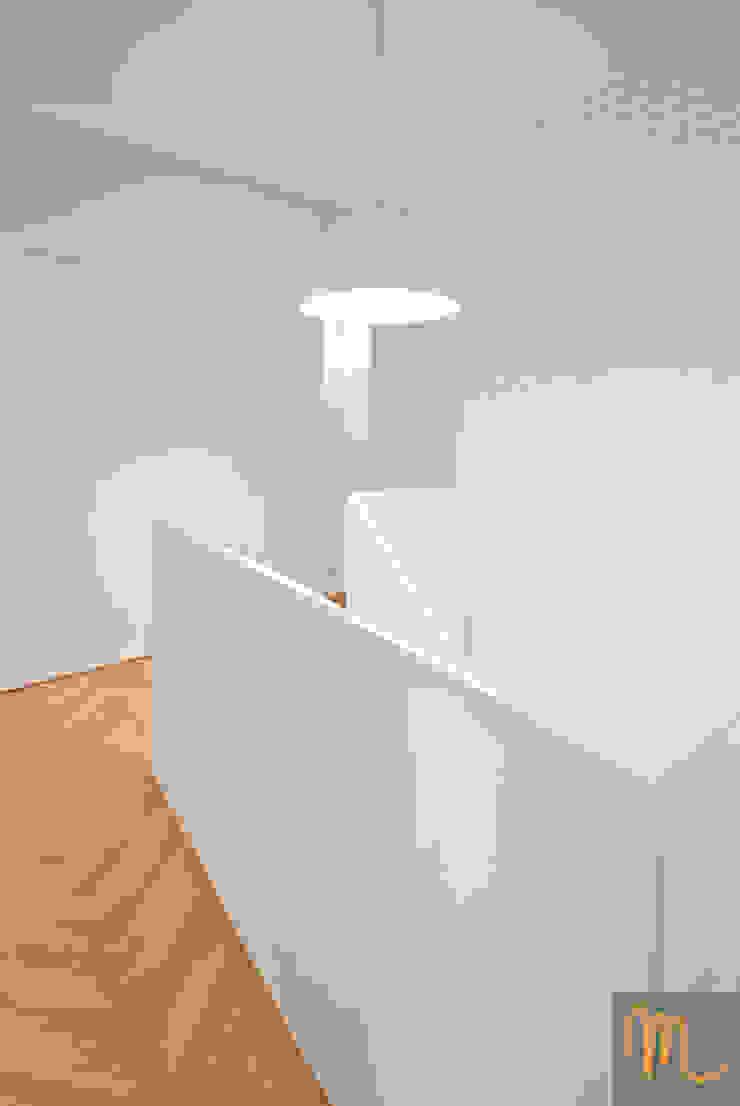 SASKA KĘPA Nowoczesne okna i drzwi od studio m Katarzyna Kosieradzka Nowoczesny