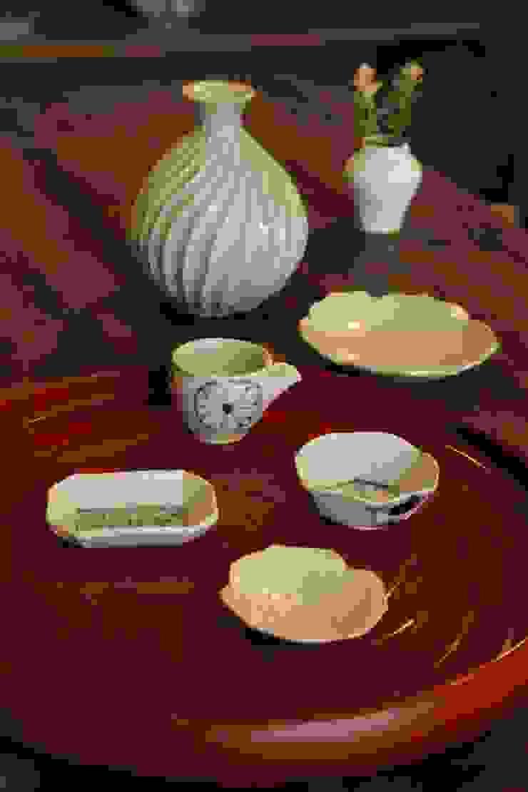 小人の器で宴: 吉田崇昭が手掛けたクラシックです。,クラシック 磁器