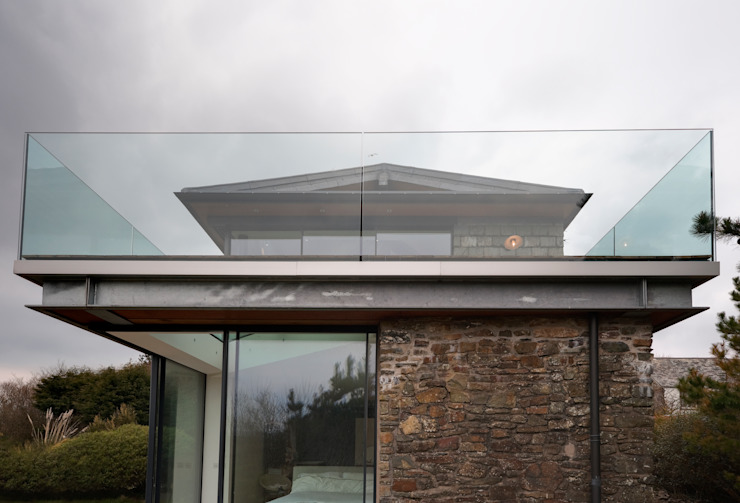 Down Barton, Devon Case moderne di Trewin Design Architects Moderno