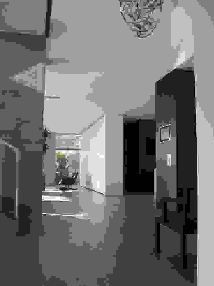 Hành lang, sảnh & cầu thang phong cách hiện đại bởi Diemer Architekten Part. mbB Hiện đại Gỗ Wood effect