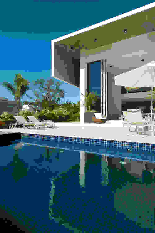 Casa Aldeia 082 Piscinas modernas por dayala+rafael arquitetura Moderno