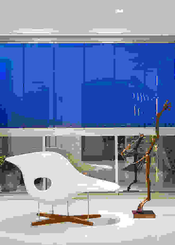 AQVA Salas de estar modernas por daniela andrade arquitetura Moderno