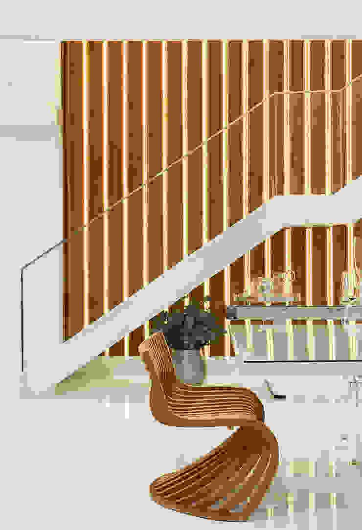 Escada AQVA Salas de jantar modernas por daniela andrade arquitetura Moderno