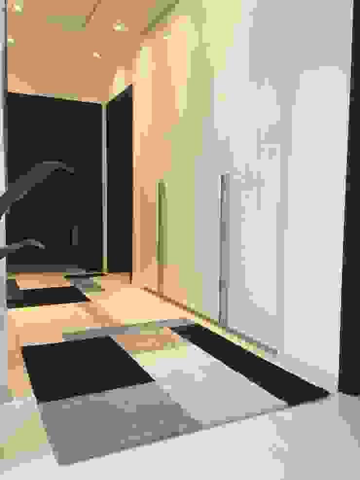Galeria / Corredor Corredores, halls e escadas modernos por Laura Picoli Moderno Madeira Efeito de madeira