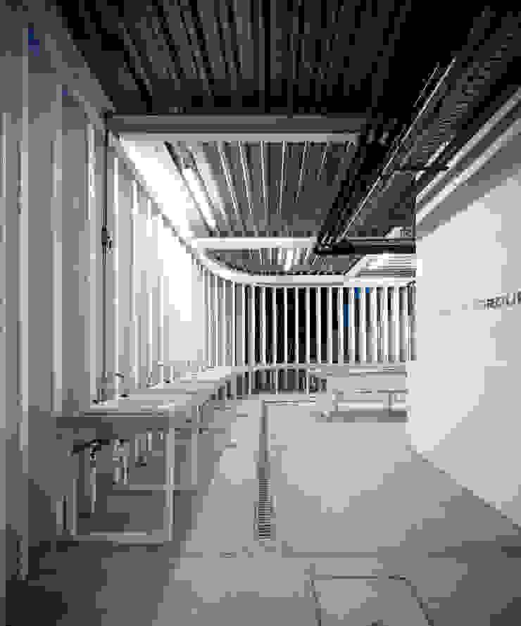 Camping Abrantes Hotéis modernos por atelier Rua - Arquitectos Moderno