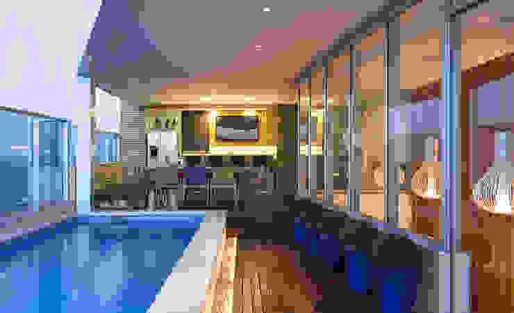 Espaço Gourmet AQVA Piscinas modernas por daniela andrade arquitetura Moderno