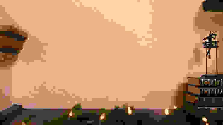 Repisa sobre la chimenea antes de los adornos navideños. de MARIANGEL COGHLAN
