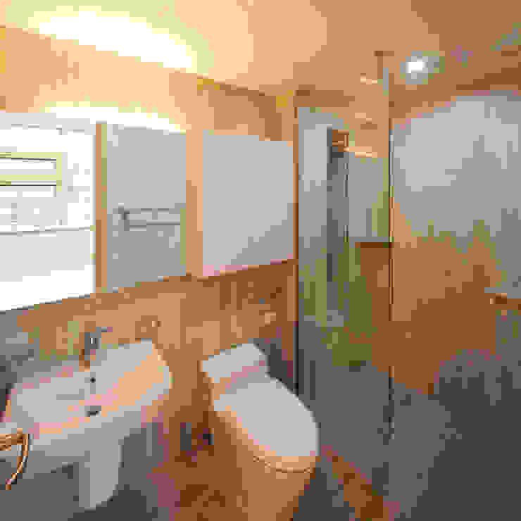수상건축 Minimalistyczna łazienka