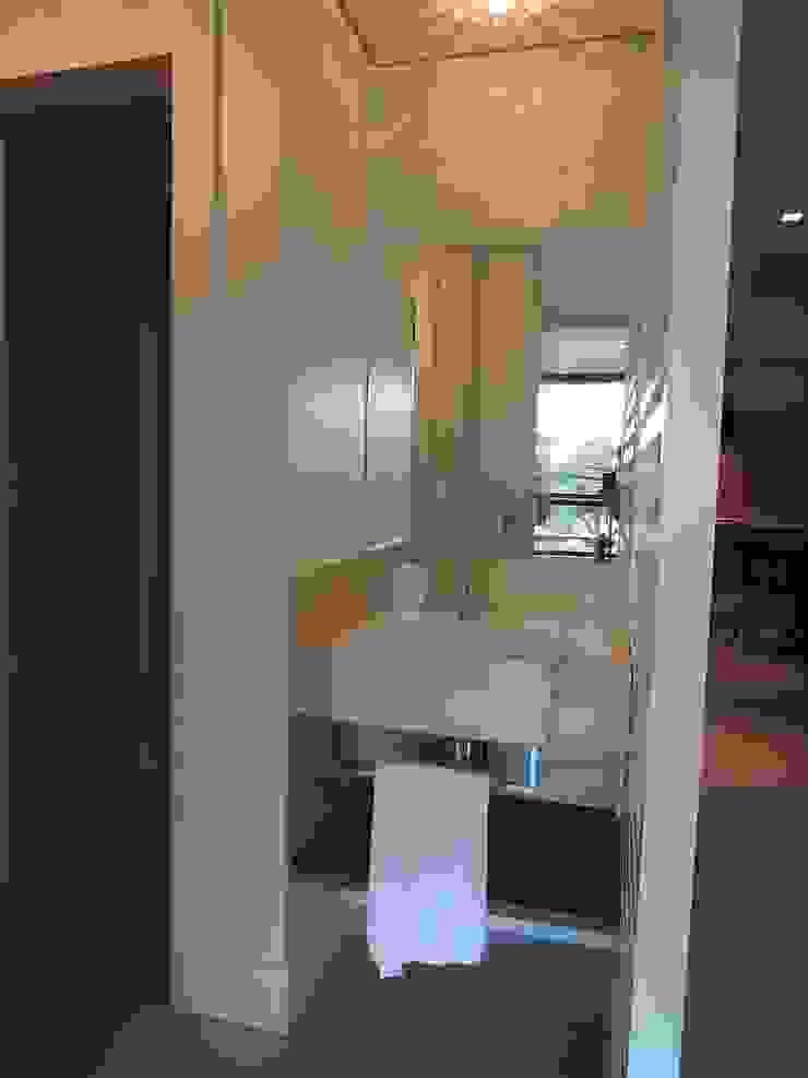 Salão de festas Banheiros modernos por Tatiana Junkes Arquitetura e Luminotécnica Moderno