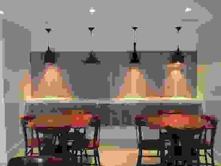 Salão de festas Cozinhas modernas por Tatiana Junkes Arquitetura e Luminotécnica Moderno