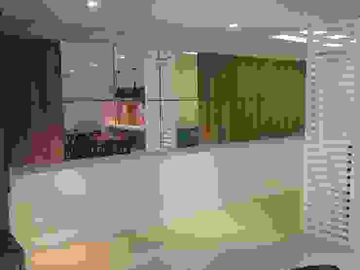 Tatiana Junkes Arquitetura e Luminotécnica Modern style kitchen
