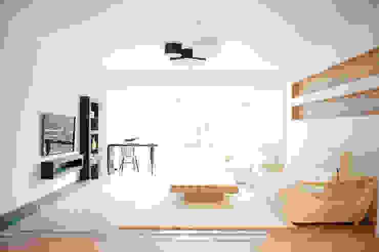 Salas modernas de 퍼스트애비뉴 Moderno